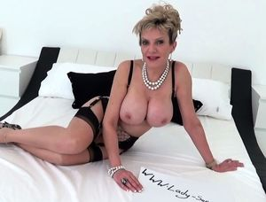Mature ladies nude