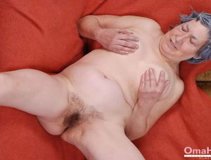 Granny hairy pussy gallery