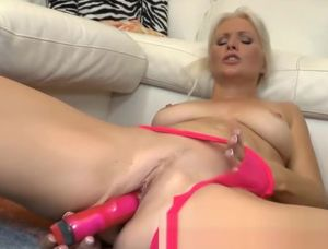 Blonde milf masturbation